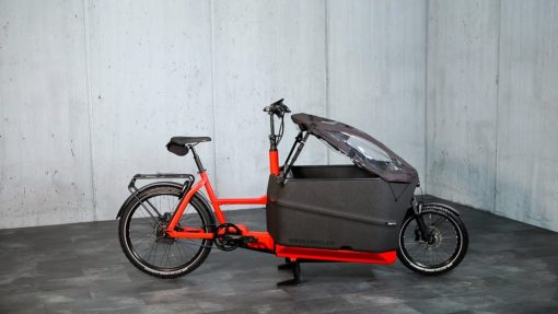 packster 70 Family - velo cargo bike transport 3 enfants - capote impermeable - bosch - boutique appebike ajaccio en corse - ebikemarket